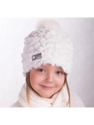 Зимняя шапка с шарфиком для девочки молочного цвета травка Bianka
