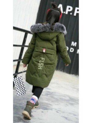 Пуховое пальто для девочки цвет хаки с меховой опушкой