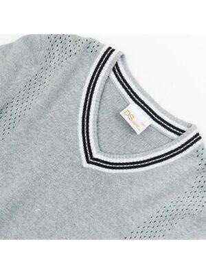 Свитер серый с треугольным вырезом под рубашку 50958 Deloras
