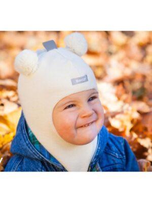 Шапка шлем молочного цвета для малыша Мишка