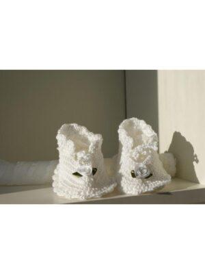Пінетки для дівчинки білого кольору ручної роботи Maja