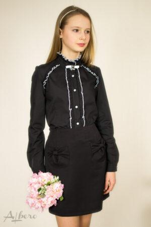 Блуза для дівчинки чорного кольору з контрастним кантом