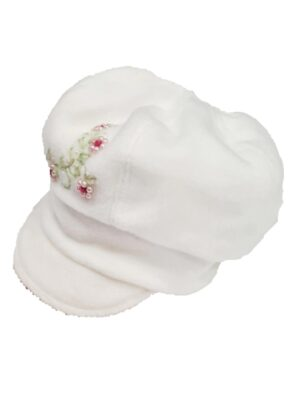 Зимний берет белого цвета для девочки с нашивкой цветка Joasia