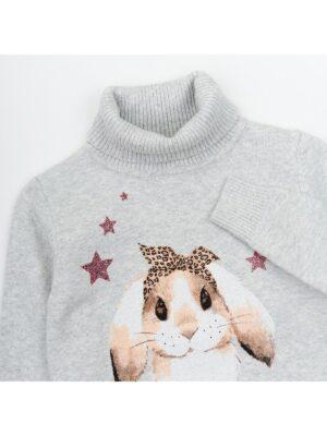 Гольф для дівчинки сірого кольору з принтом кролика