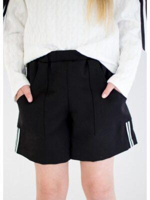 Шорти чорні для дівчинки з накладними кишенями