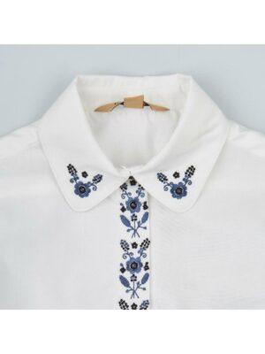 Вишиванка для дівчинки біла в красивий орнамент класичні квіти