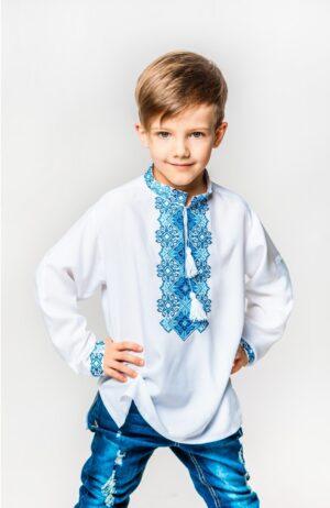 Вишиванка для хлопчика біла Подолянин-2 з блакитною вишивкою
