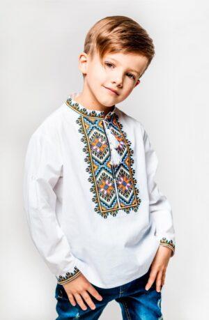 Вышиванка для мальчика белая с красивой яркой вышивкой Арт. Легень Piccolo